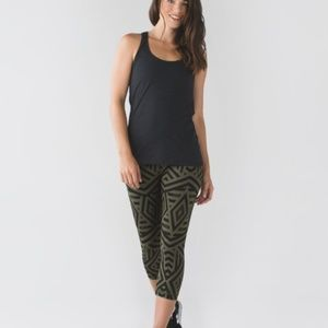 Lululemon Wunder Under Cropped Leggings 6
